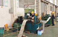 揭秘:鑫发不锈钢带生产设备之<<分条机>>