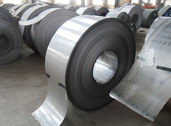 不锈钢带和碳钢管不能堆放在一起